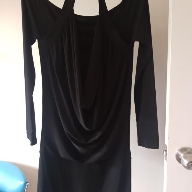 Ladies size 2 Zhöuk brand dress