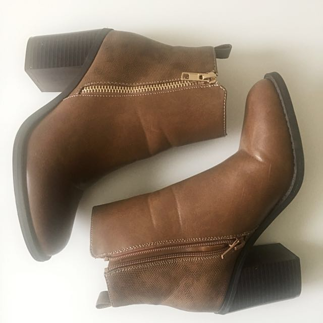 M I S S. S H O P | Brown boot | Size 5
