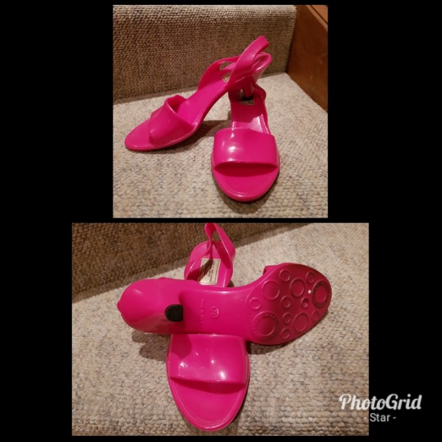 MARC BY MARC JACOBS JELLY FUCHSIA SANDALS SIZE 38