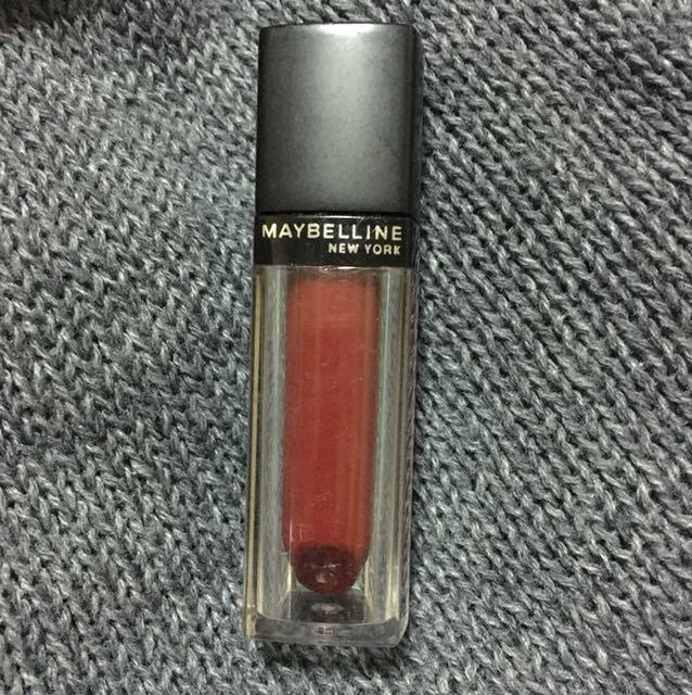 Maybelline Vivid Matte Liquid in MAT11