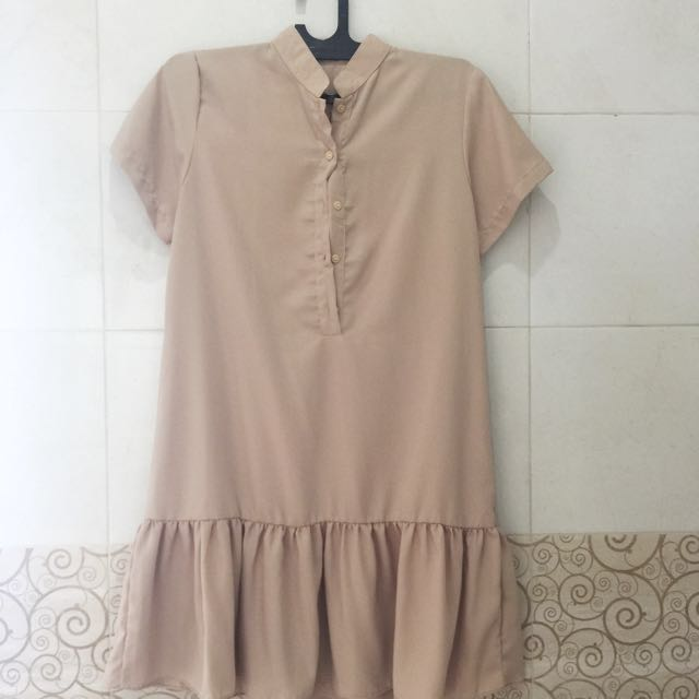 Mocca ruffle dress