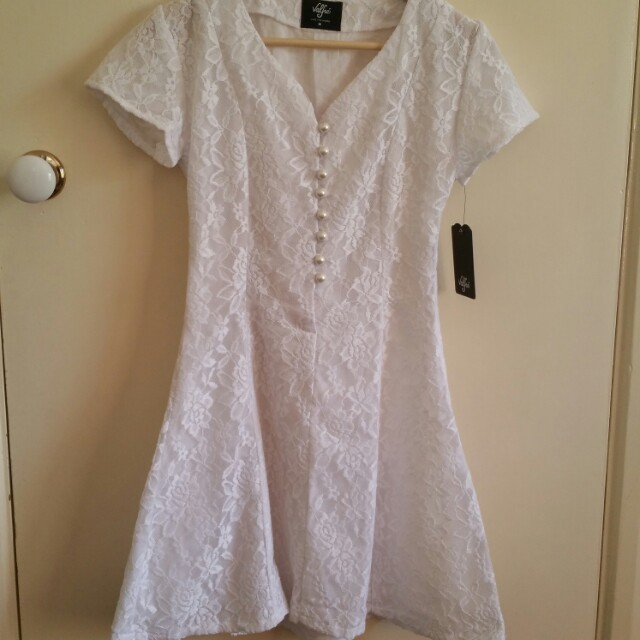 NEW Valfie lace dress M