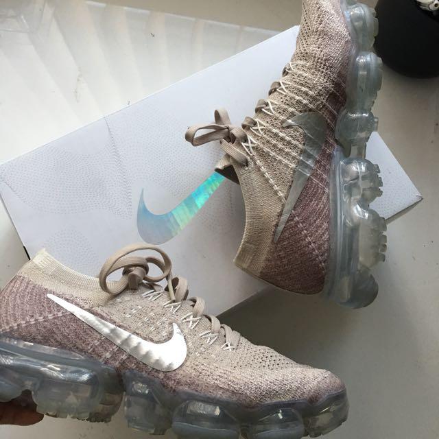 Nike vapormax sneakers size 6.5