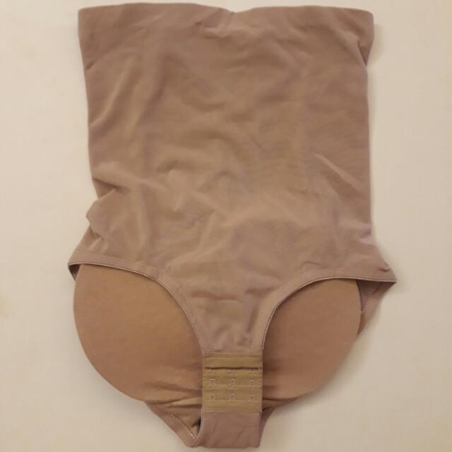 Padded panty / hip shaper