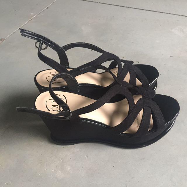 Pulp sandals