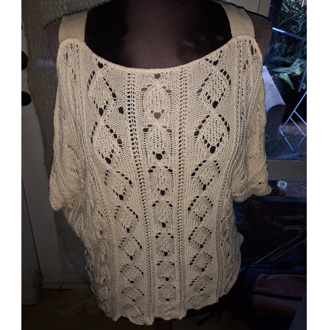Rodney Clark knitted cutout sleeve top Size M