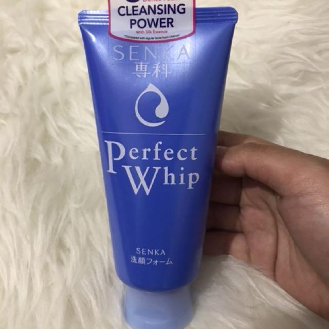Senka perfect whip facial wash