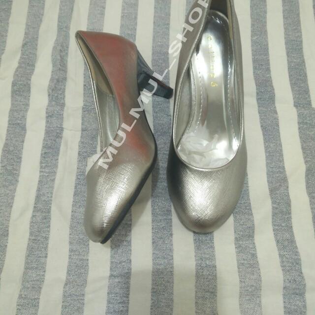 Sepatu Calliope