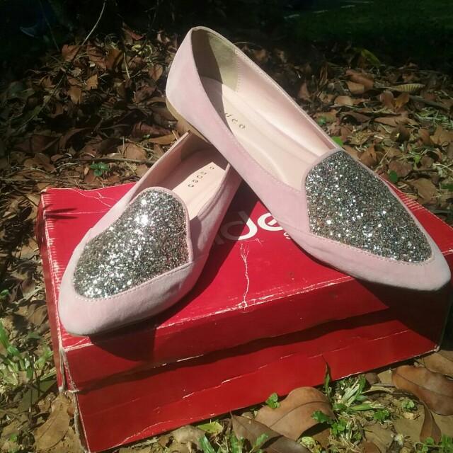 Sepatu fladeo pink muda