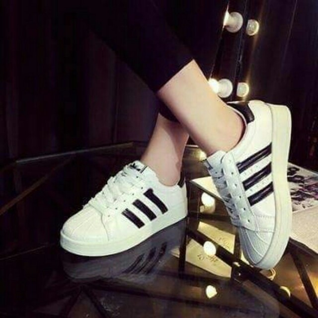 Sepatu kets adidas superstar wanita termurah (replika)