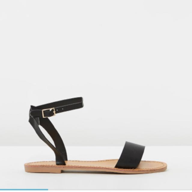 Size 10 sandals