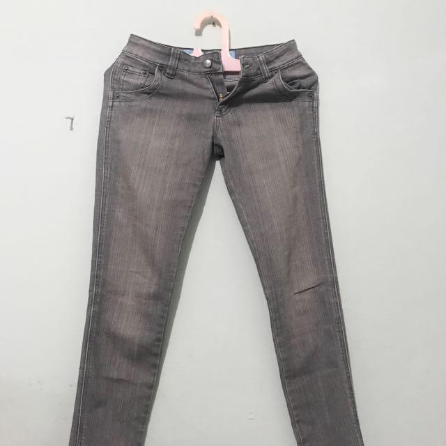 Skinny Jeans Pot Meets Pop