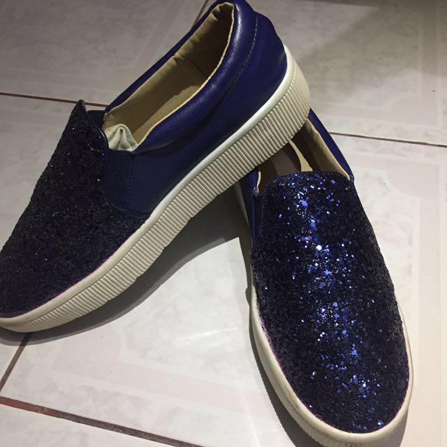 Slip On / Sepatu