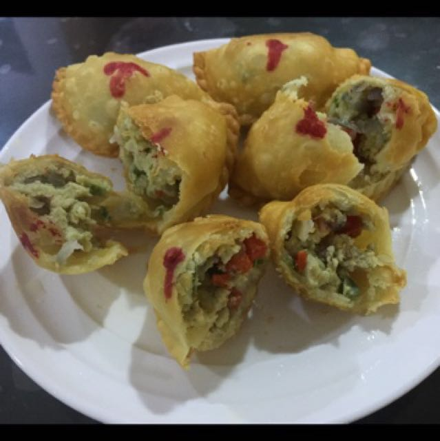 "Spicy Egg & Beef Filling Frozen Puff ""Epok2"""