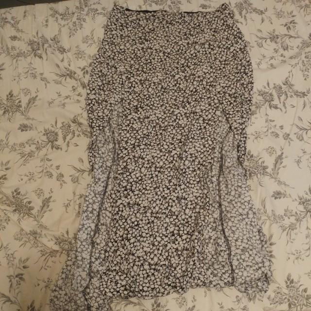 Spring maxi skirt, medium.