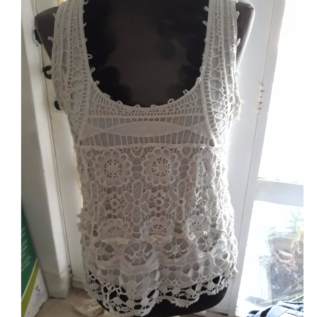 TEMT embroidered tank Size L
