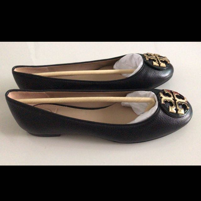 TORY BURCH Size 6.5 Claire Ballet Flat Tumbled Leather Shoe, Women's  Fashion, Shoes on Carousell