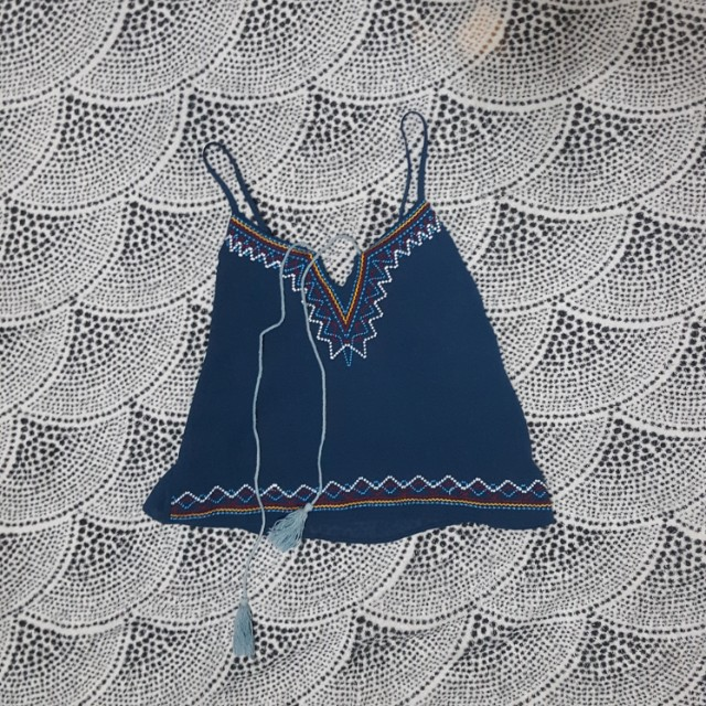 UNBRANDED - CROP TOP with THIN STRAPS