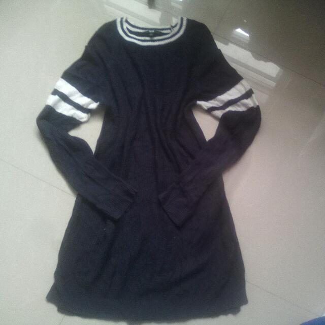UNI  QLO SWEATER DRESS