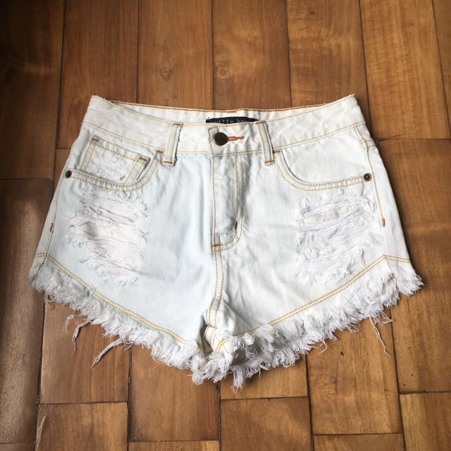 Vanilla Breeze High-waisted Shorts