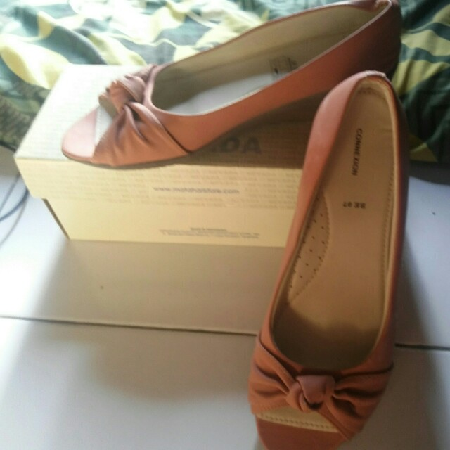 wedges conextion uk.39