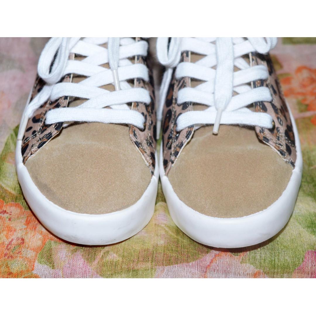 3d7fe27edcc6 ZARA Animal Print Hi-Cut Sneakers