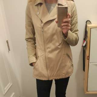 Guess trench coat with faux leather sleeves