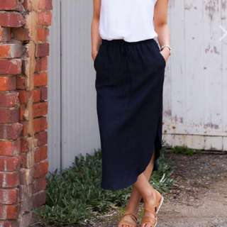 Frankie & Co Linen Navy Skirt