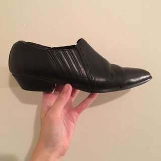 VINTAGE pointed shoe size 8