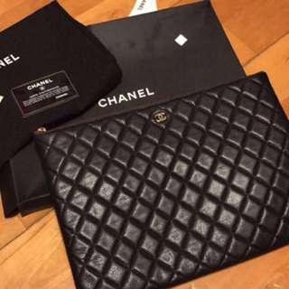 Chanel 牛皮clutch