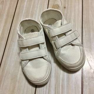 White Rubber shoes for toddler Boy