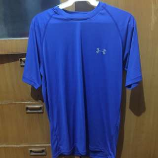 Under Armour dry fit (authentic) size s-m