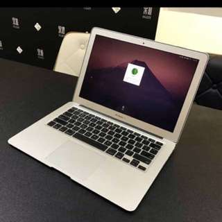 "Apple macbook air 11"" year 2011 筆電"