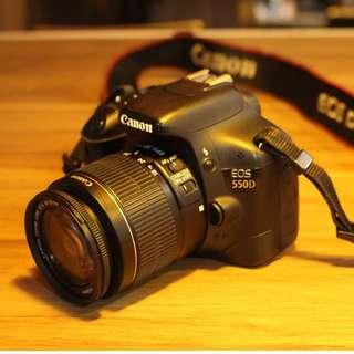 FRESH MAKINIS Canon 550D DSLR Camera w/ 18-55mm Lens