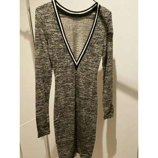 V Neck Dress   Size 8