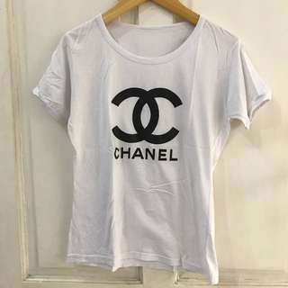 Kaos putih chanel