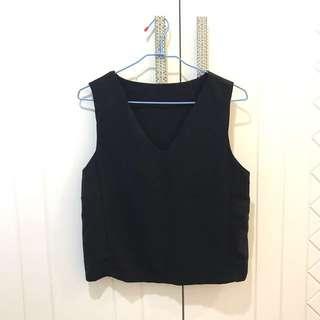 全新韓國黑色v領削肩上衣服 設計 背心 black zara cos