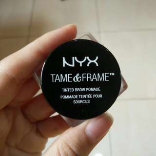NYX Tinted Brow Pomade