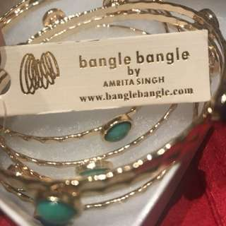 Gold tone bangle set