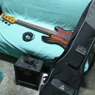 Jim deacon bass & peavy amp