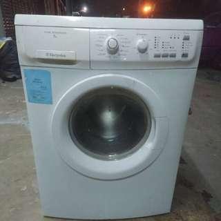 Washer Washing Machine Mesin Basuh Electrolux 7KG