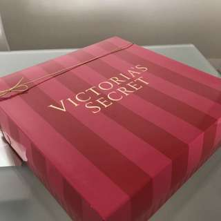 NEW Victoria's Secret Gift Box