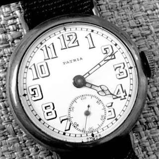 20年代 瑞士 亞米加品牌 Extreme Rare Omega Patria WWI Officers Trench Mechanical Manual Wind Wristwatch:  原裝完美白瓷錶面及純銀錶殼100% Original Porcelain Dial (Mint) and Sterling Silver Case 34mm in running condition。