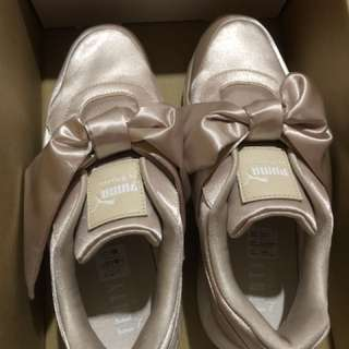 Puma香檳金緞帶鞋