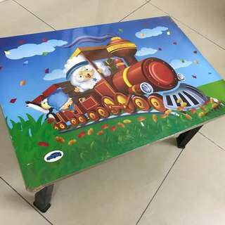 Toddler foldable table