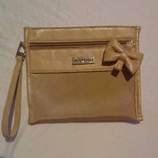 V & R beige pouch