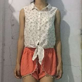 TIED TOP / DIVIDED / HnM / HM / H&M / TIED SHIRT / TIED BLOUSE / CROP TOP / CROP BLOUSE / CROP TEE / CROP SHIRT