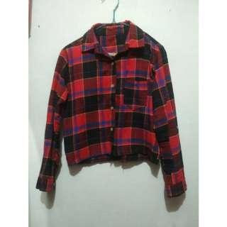 Kemeja crop kotak kotak / pattern shirt