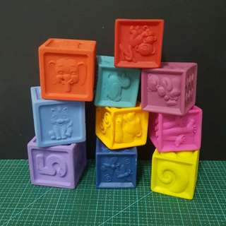 Mainan blok getah untuk bayi