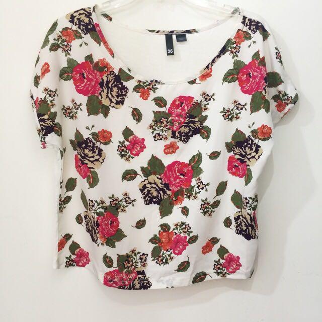 換季出清! H&M 印花上衣 36號 於倫敦購得